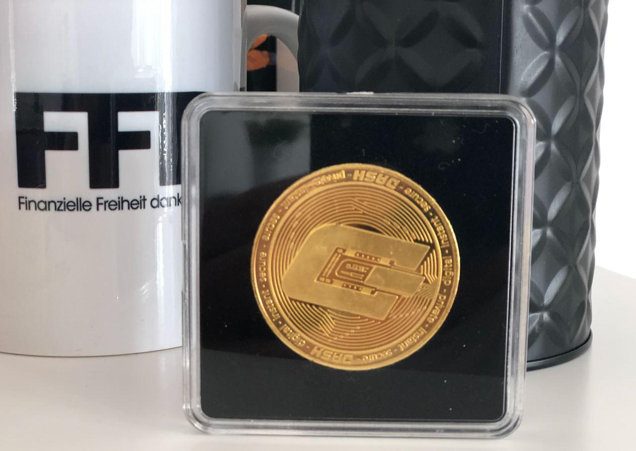 dash coin back acrylic's